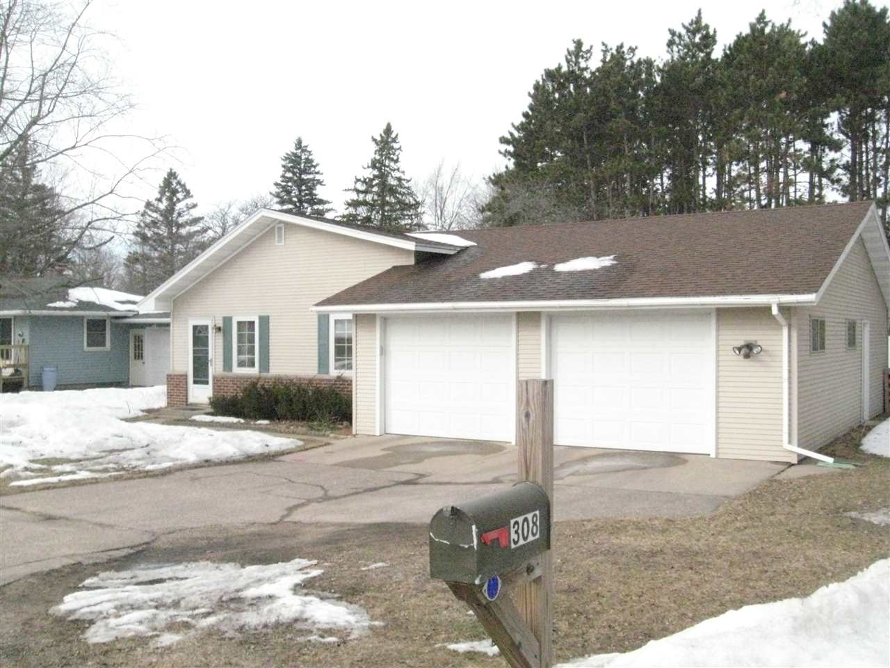 real estate for elm street stevens point wi  view photo slide show 20 20 photo