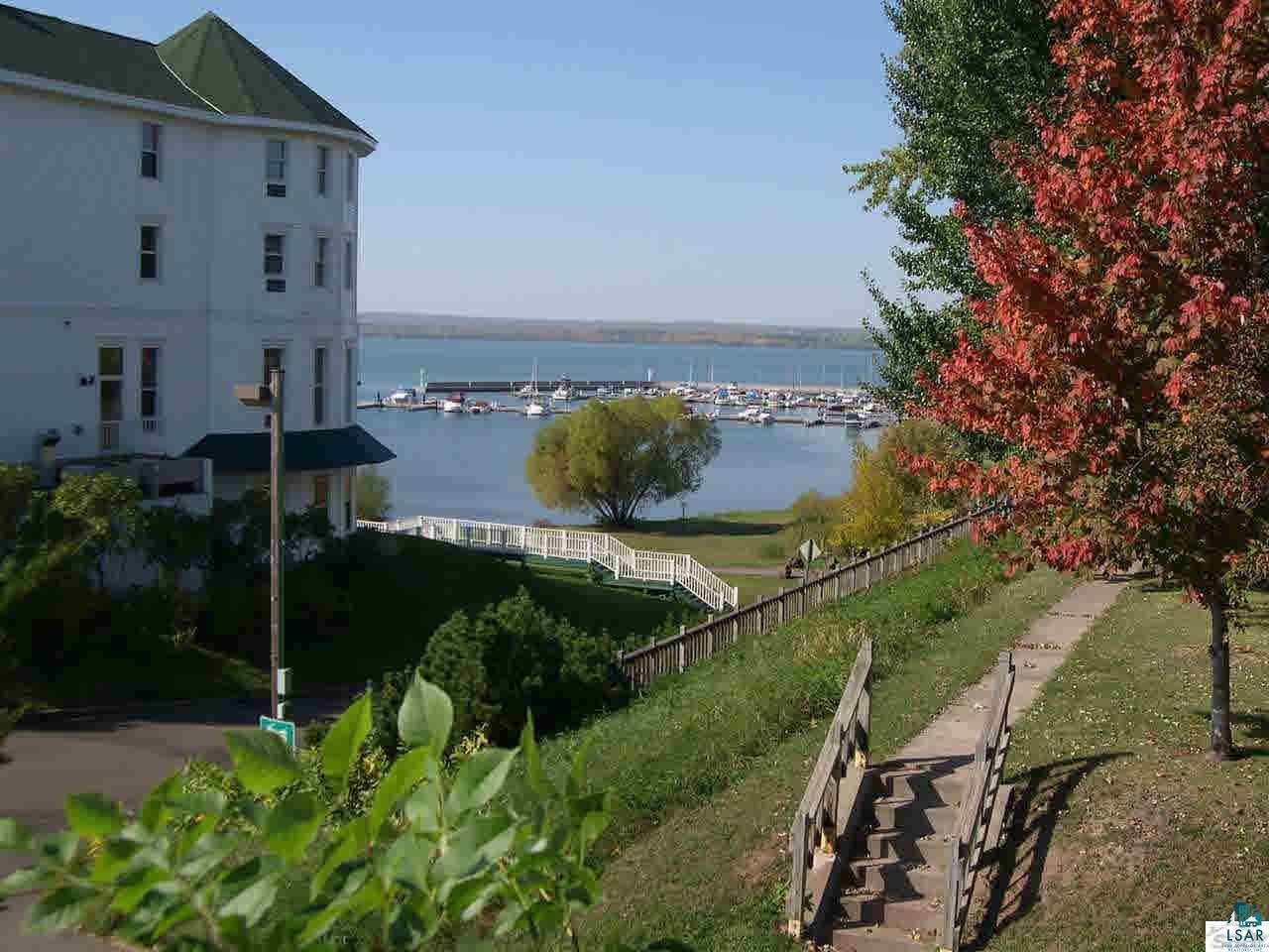 101 Lake Shore Dr