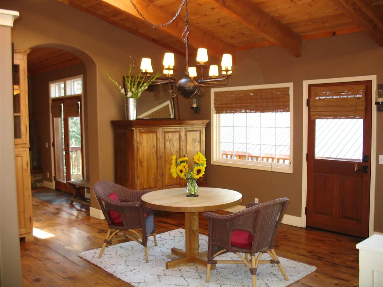 420 Pinecrest Avenue, Mammoth Lakes, CA 93546