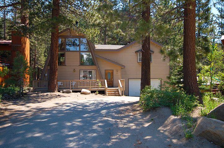 208 Zermatt Ct., Mammoth Lakes, CA 93546