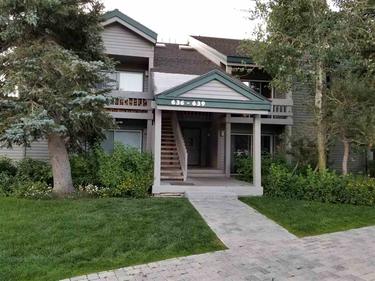 637 Golden Creek Rd, Mammoth Lakes, CA 93546