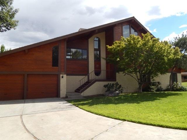 132 Desiderata Lane, Bishop, CA 93514