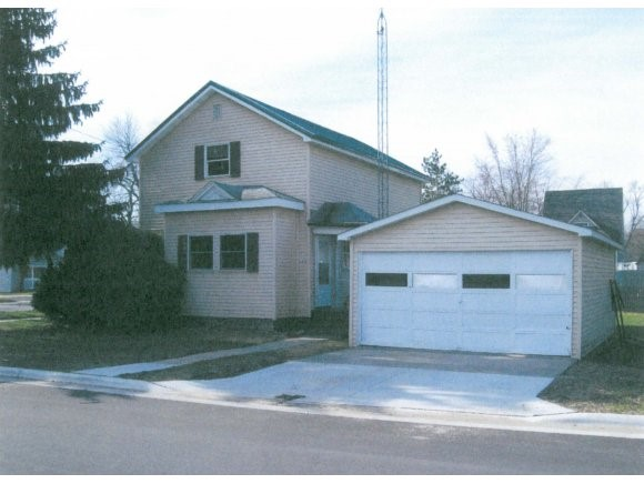 Photo of home for sale at 103 W PARK PARK W, Wautoma WI