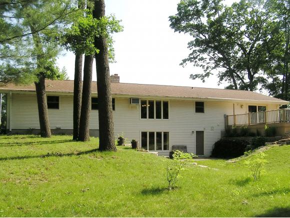 Photo of home for sale at 2614 OAKWOOD DR OAKWOOD DR, Green Bay WI