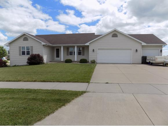 Photo of home for sale at 2325 HEARTHSTONE DR HEARTHSTONE DR, Kaukauna WI