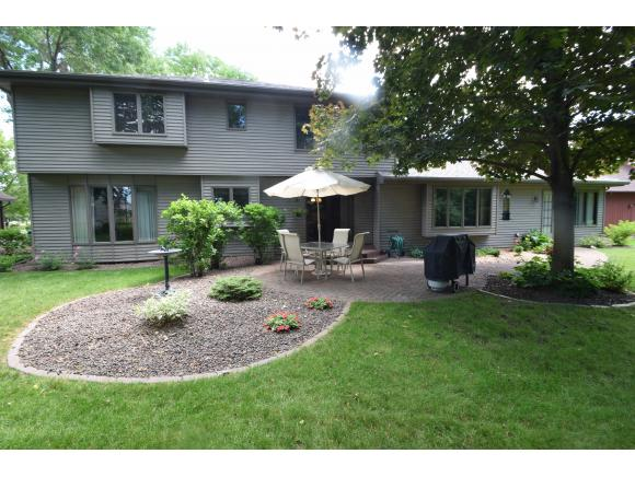Photo of home for sale at 921 S KELLER PARK DR KELLER PARK DR S, Appleton WI