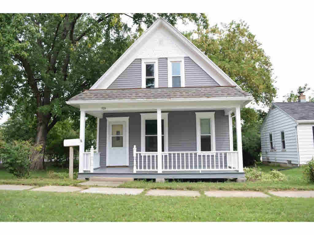 Photo of home for sale at 320 W 9TH 9TH W, Kaukauna WI