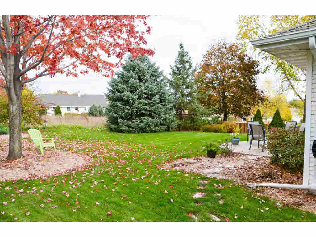 Photo of home for sale at 3610 VALLEY BROOKE LN VALLEY BROOKE LN, Green Bay WI