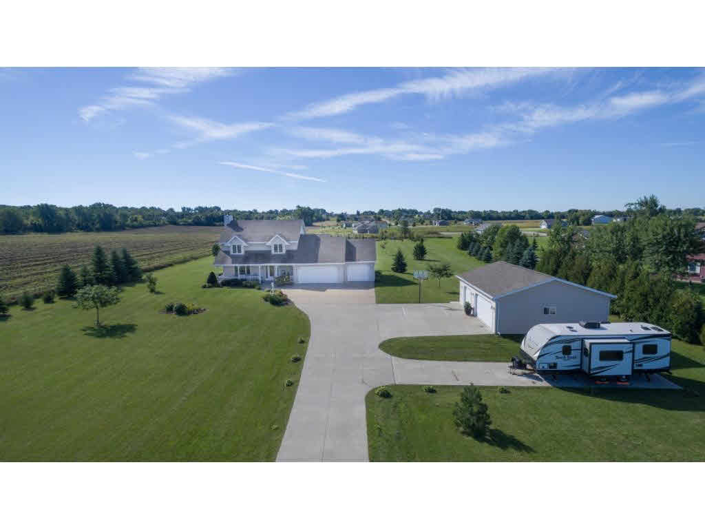 Photo of home for sale at 5261 LEONARD POINT RD LEONARD POINT RD, Omro WI