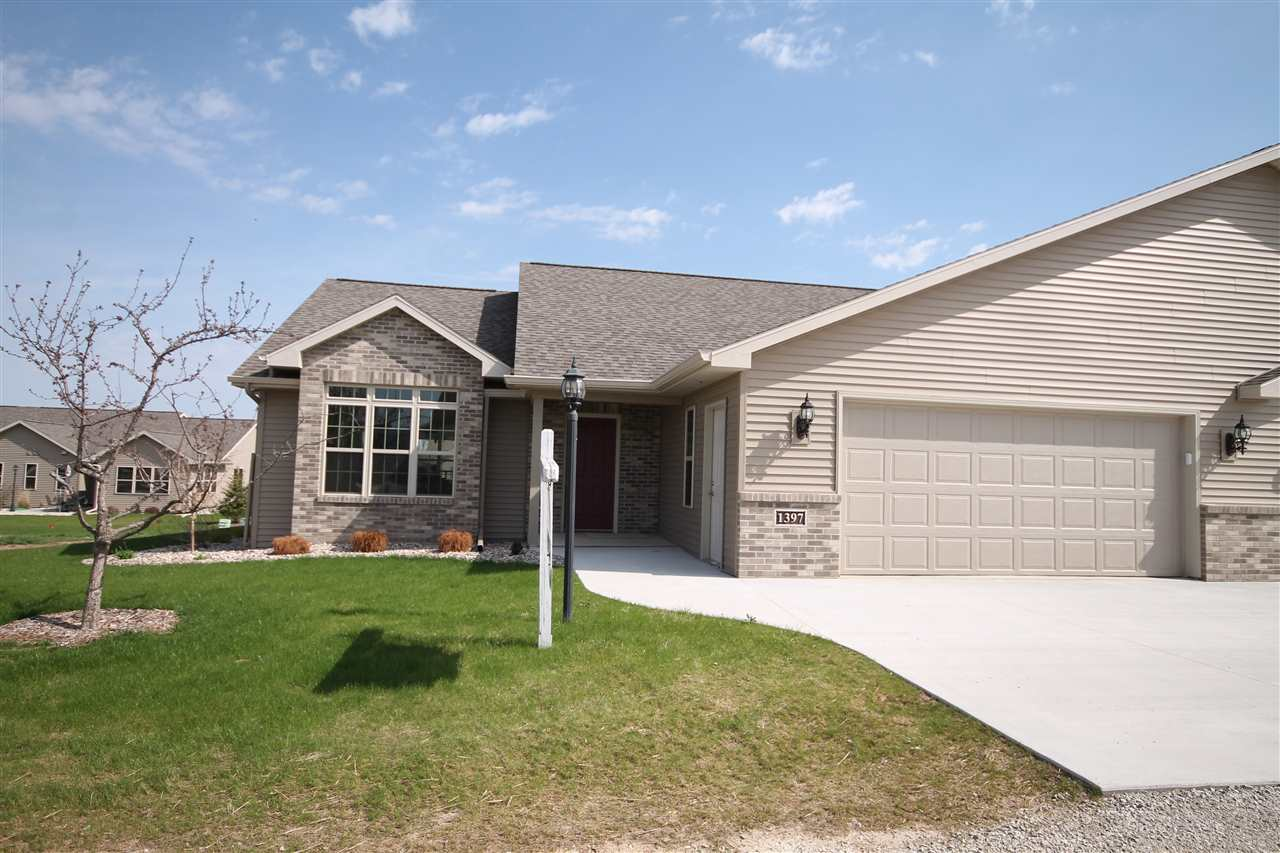Photo of home for sale at 1397 CANDLELIGHT Lane CANDLELIGHT, Fond Du Lac WI