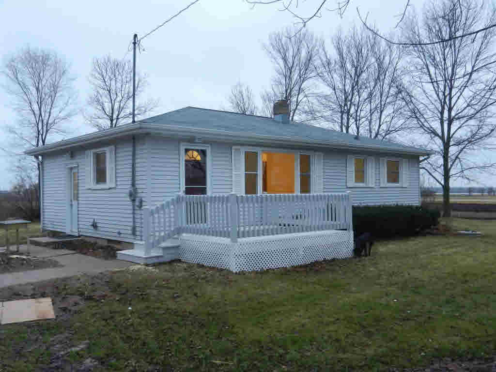 Photo of home for sale at 2253 HWY GG HWY GG, Neenah WI