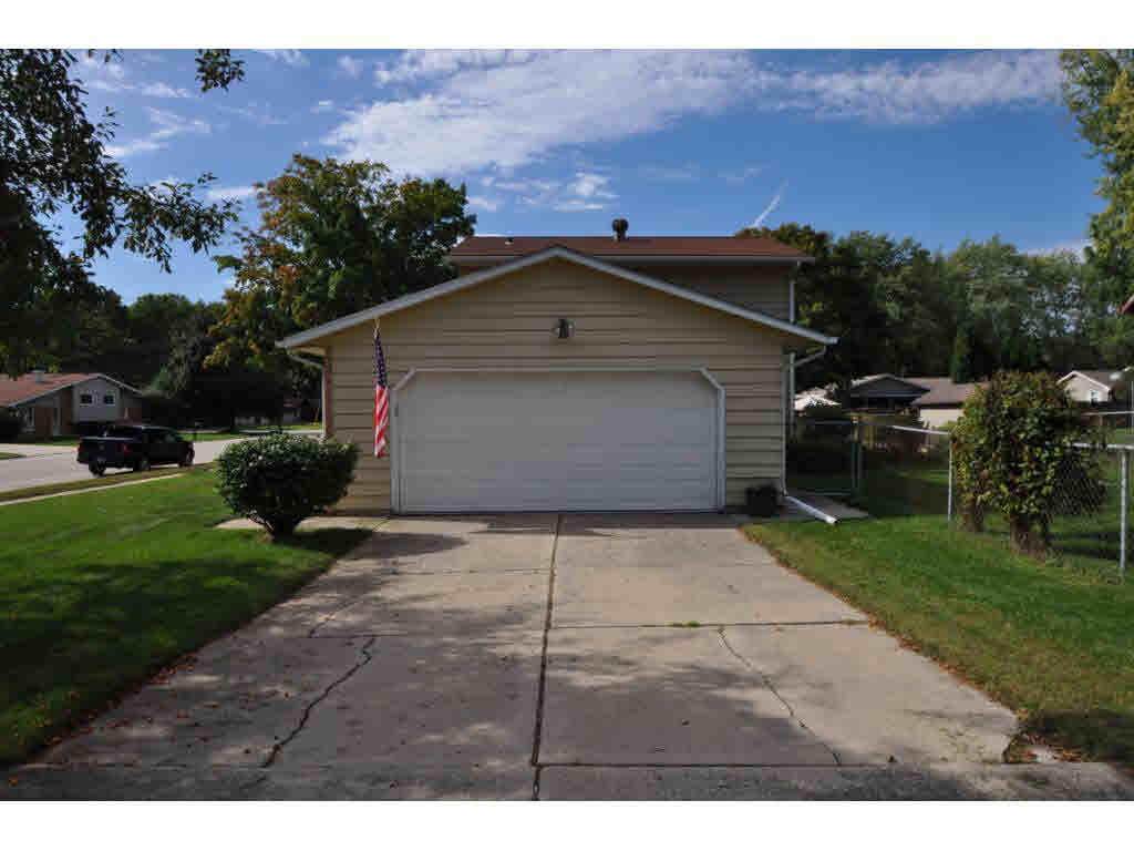 Photo of home for sale at 1446 CORMIER RD CORMIER RD, Green Bay WI