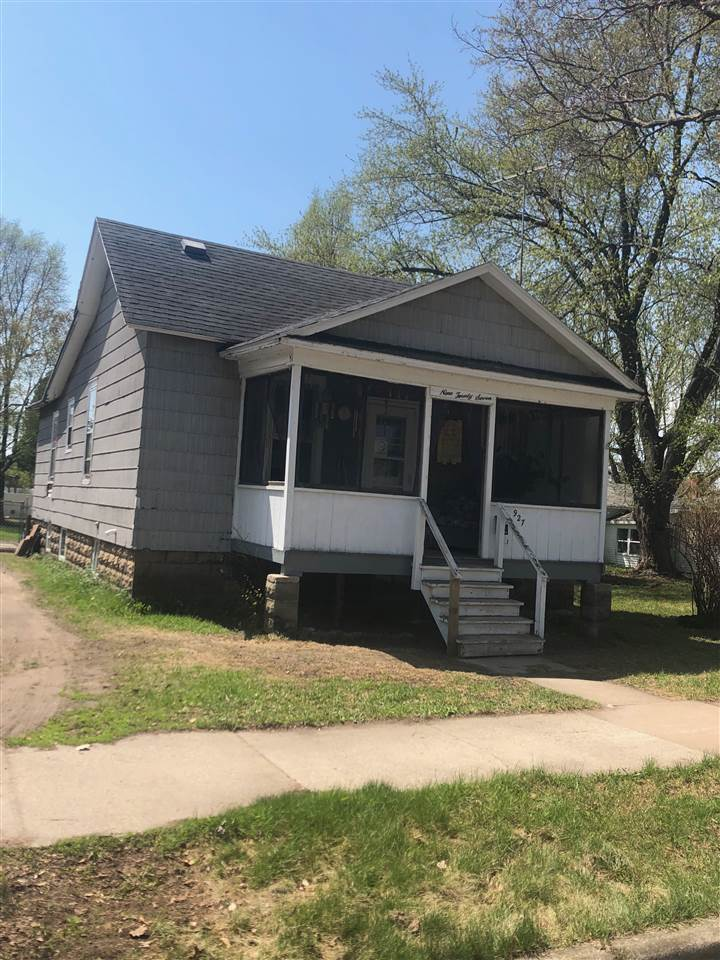 View Single-Family Home For Sale at 927 PARNELL STREET, Marinette, WI