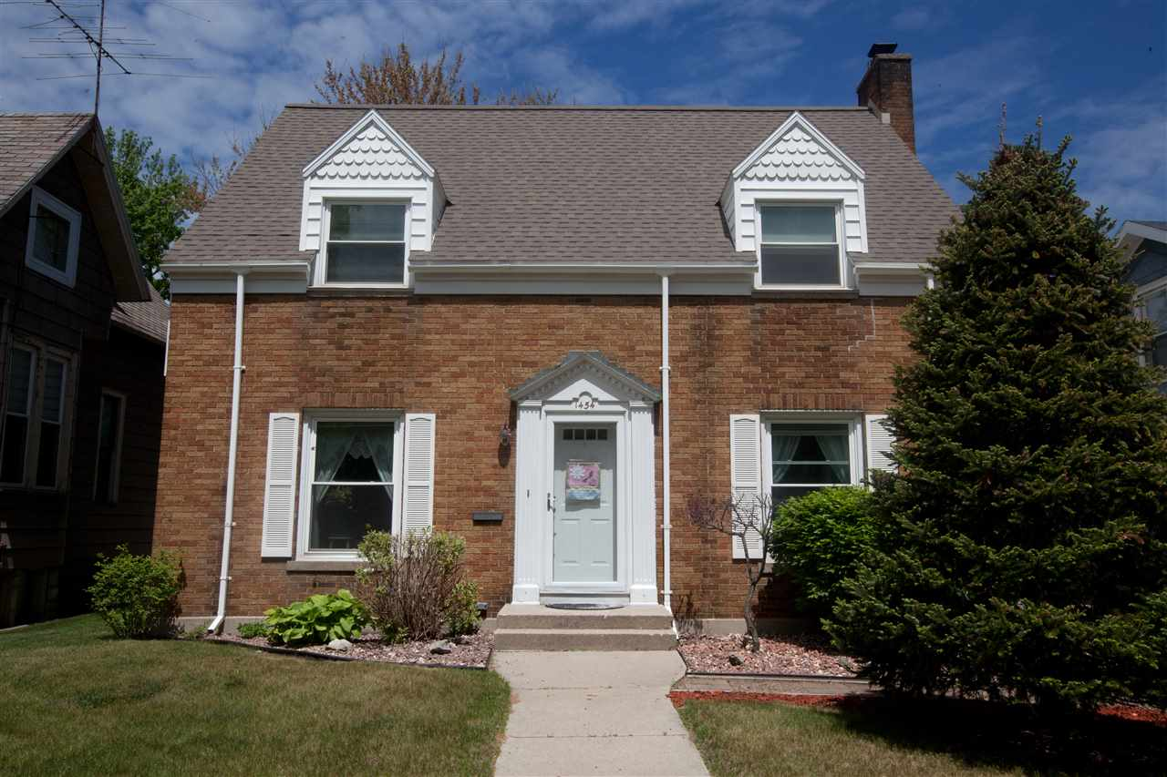 View Single-Family Home For Sale at 1454 NEWBERRY AVENUE, Marinette, WI