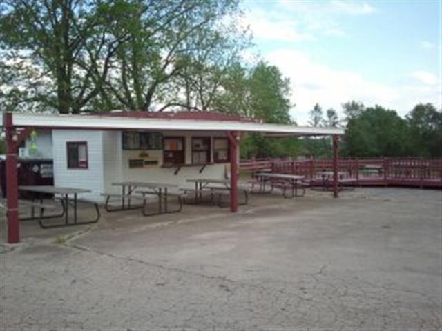 575 E Main St, Benton, WI 53803
