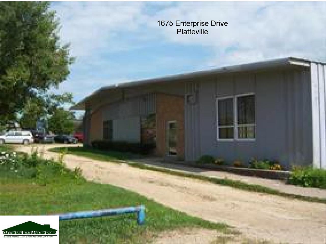 1675 Enterprise DR, Platteville, WI 53518