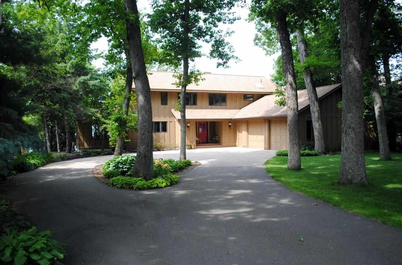 W1680 Sandstone Ave, Green Lake, WI 54941