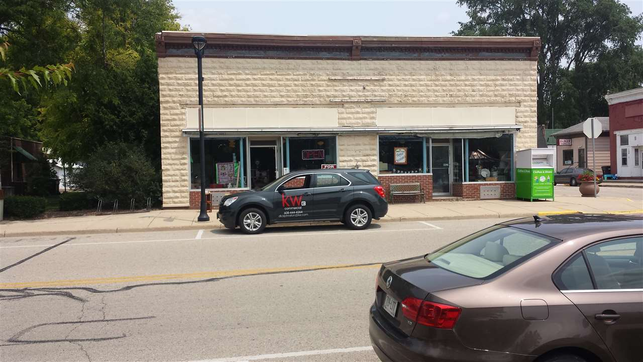 202 Commercial St, Brooklyn, WI 53521