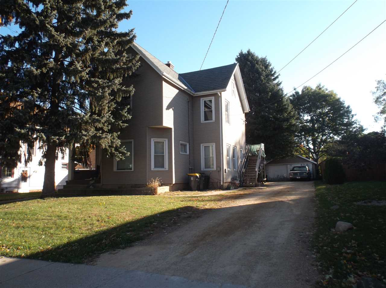 606 22nd Ave, Monroe, WI 53566