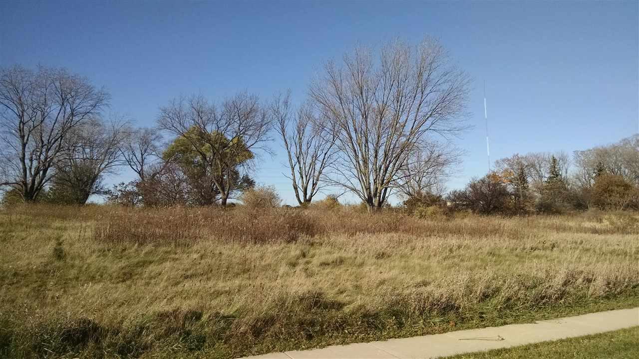 2490 JENNY WREN TR, Sun Prairie, WI 53590