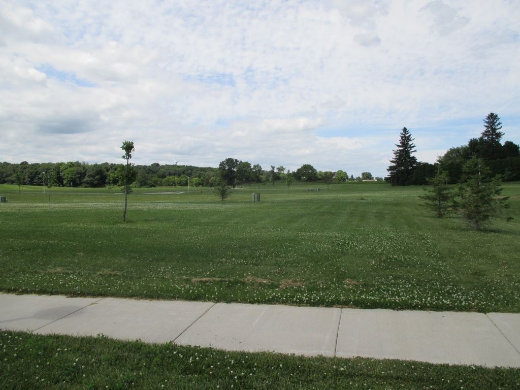 910 King St, Brownsville, WI 53006