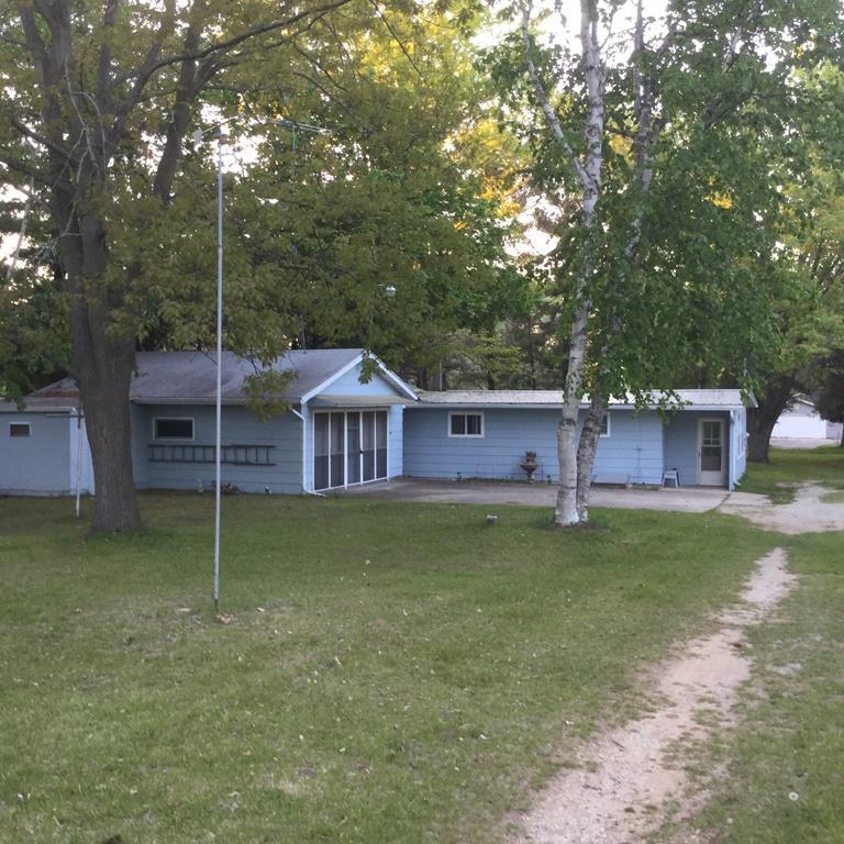 W7088 Puckaway Rd, Marquette, WI 53946