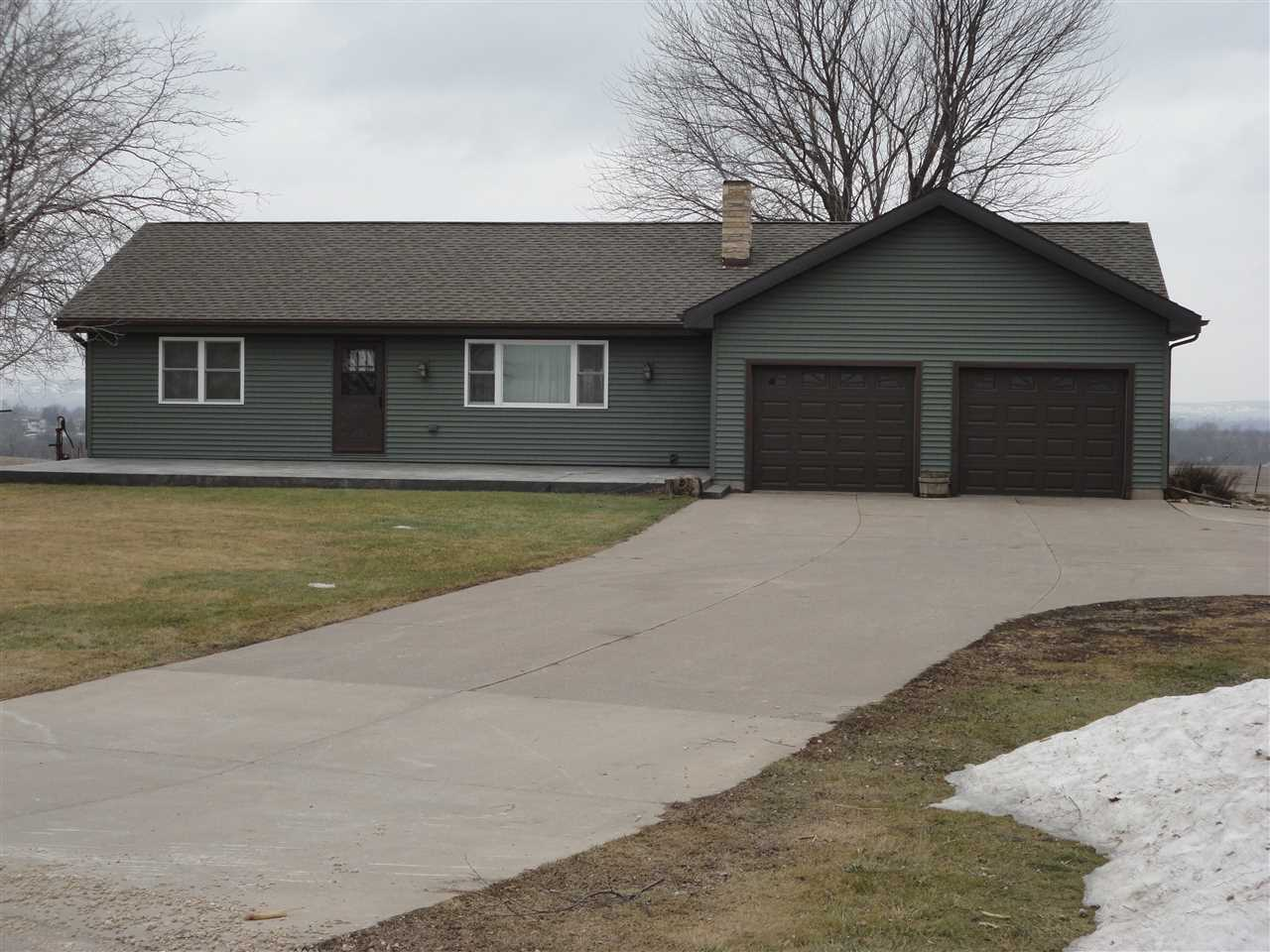 9251 HWY 133, Waterloo, WI 53806