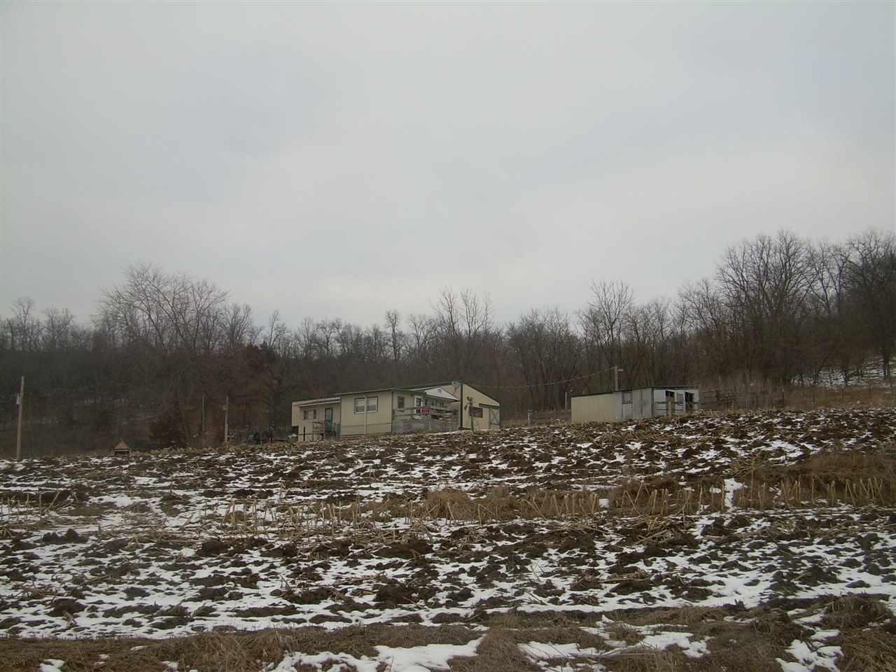 211 Suttle Creek Rd, Monona, IA 52159