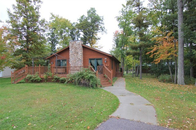 154 Cambrian Dr, Lake Delton, WI 53940
