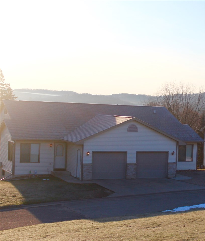 105 2nd Main St, Elroy, WI 53929