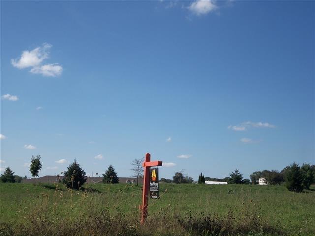 L5 Clover Ln, Footville, WI 53537