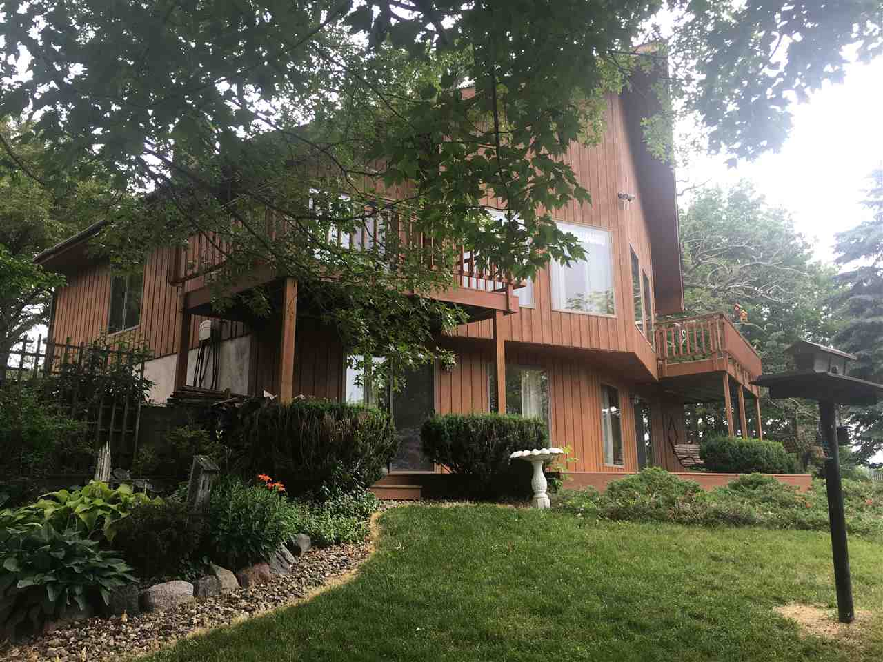 S3174 Lake Shore Rd, Excelsior, WI 53959