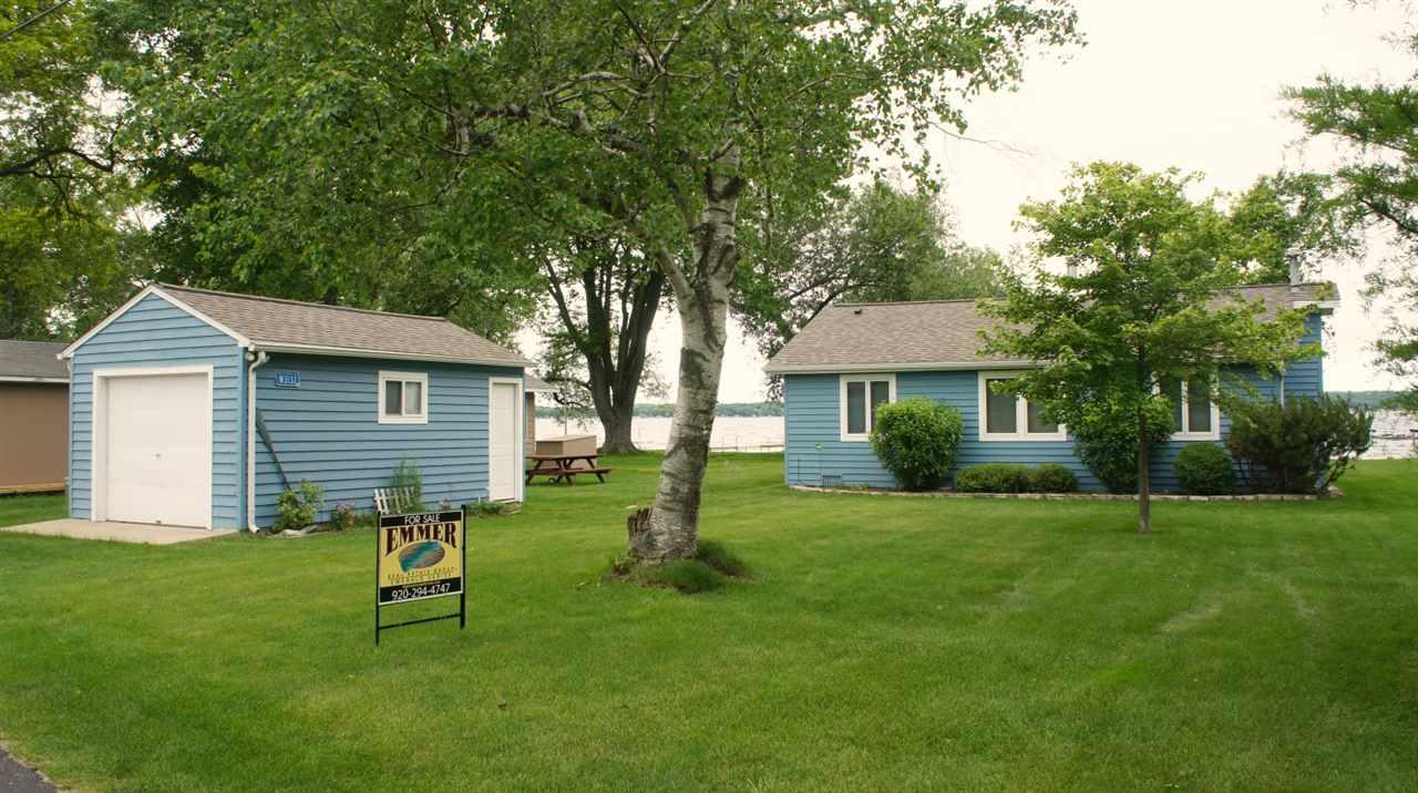 W3132 Blackbird Point LN, Green Lake, WI 53946