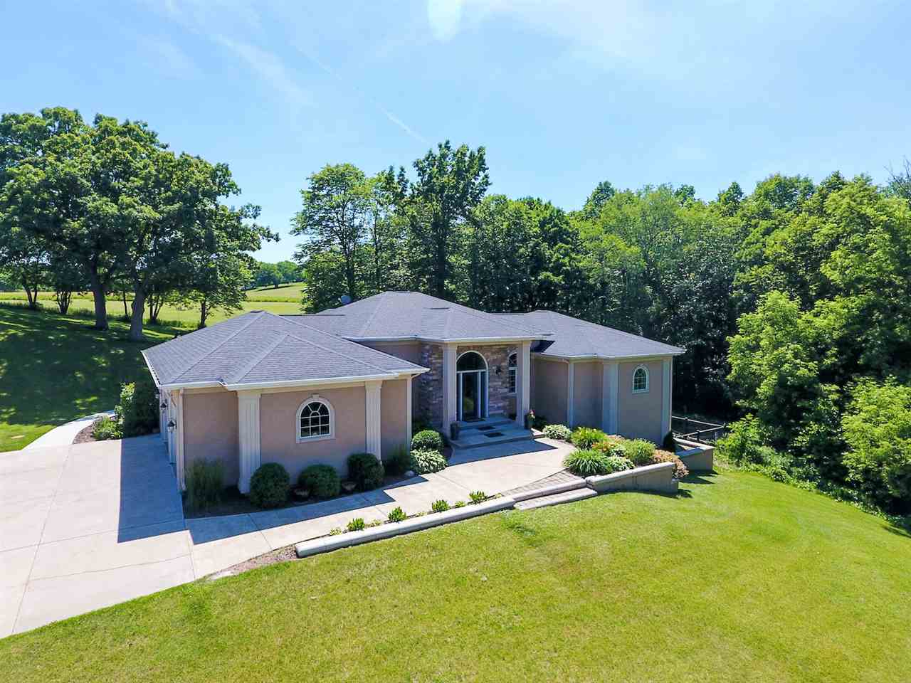 2009 N County Road E, Janesville, WI 53548