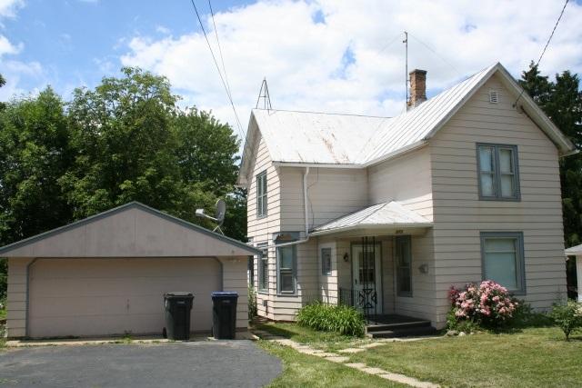 273 S John St, Mayville, WI 53050