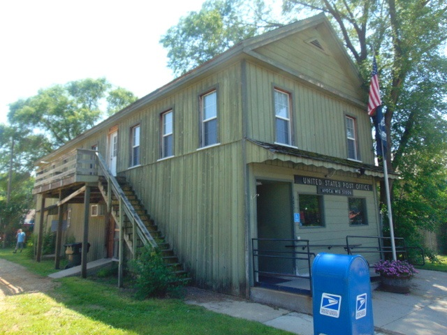405 Front St, Avoca, WI 53506