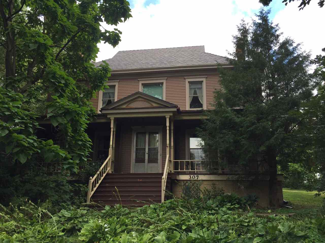 307 Washington St, Mineral Point, WI 53565