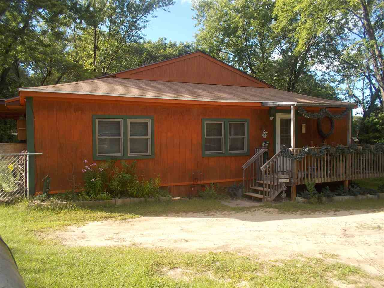 1181 Fawn Dr, Springville, WI 53936