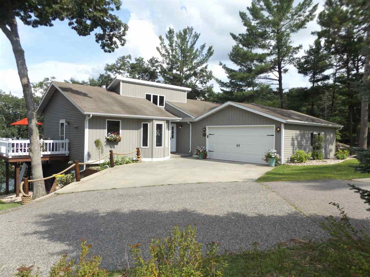 651 Lakeview Ct, Lake Delton, WI 53965
