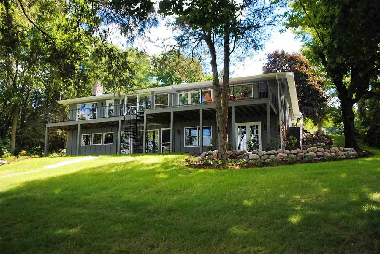 W2250 Oakwood Ave, Green Lake, WI 54941