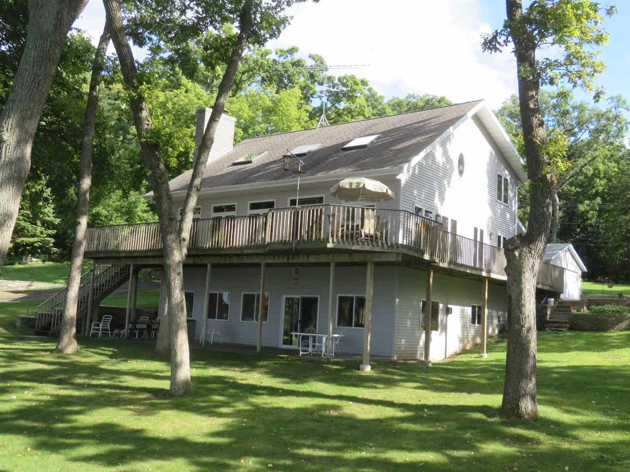 W1056 SPRING GROVE RD, Green Lake, WI 54941