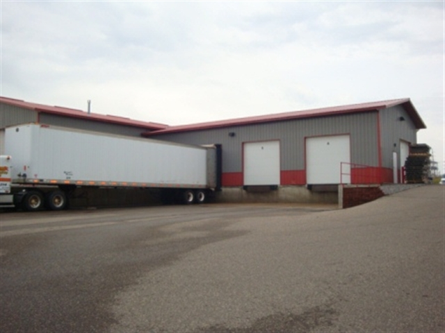 411 COMMERCIAL ST, Mauston, WI 53948
