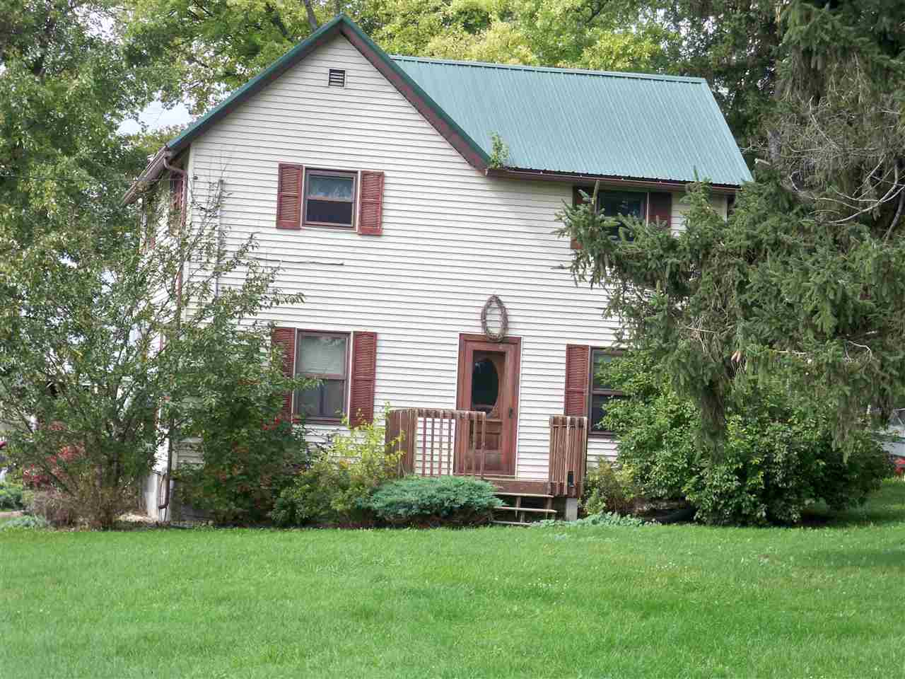 2502 Walters RD, Dodgeville, WI 53533