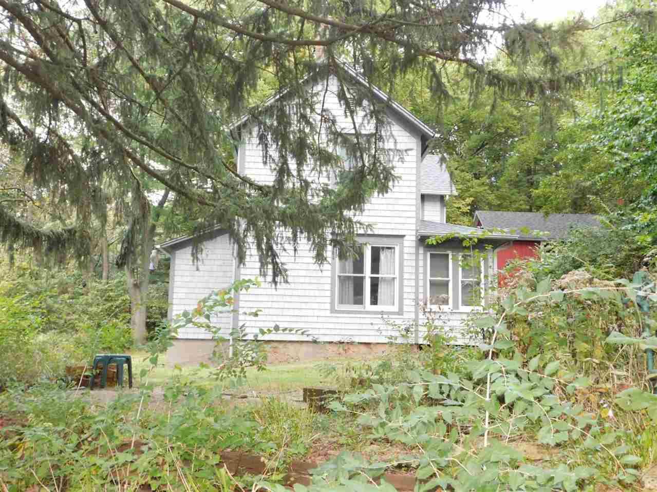 159 E Schapville Rd, Scales Mound, IL 61075