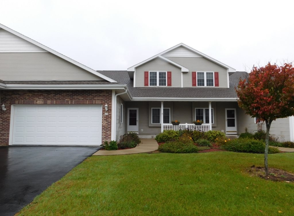 638 Waters Edge Dr, Whitewater, WI 53190