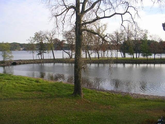 1204-1212 E Hiawatha Dr, Lake Delton, WI 53940