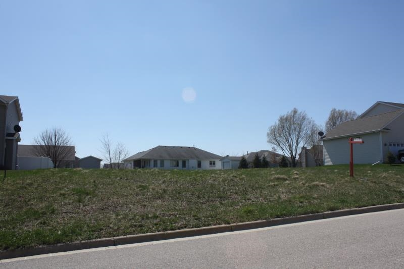 608 Bretts Way, Orfordville, WI 53576