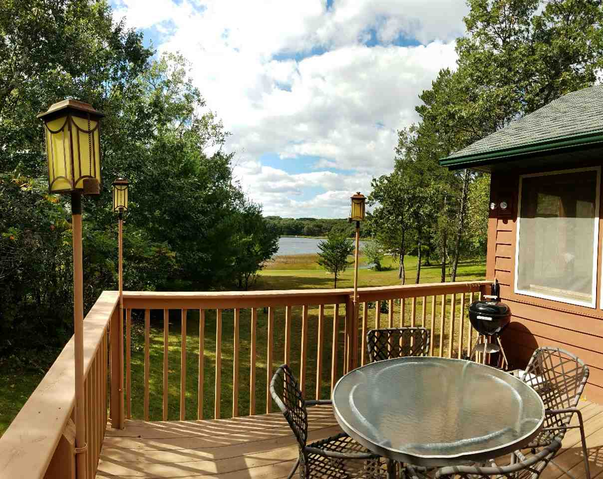 N4653 GLACIER LAKE DR, Oxford, WI 53952