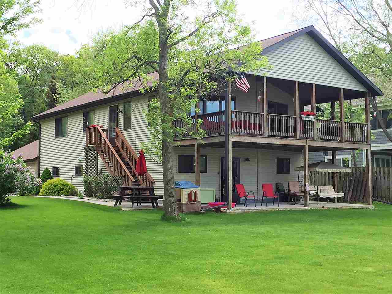 W954 Spring Grove Rd, Green Lake, WI 54971