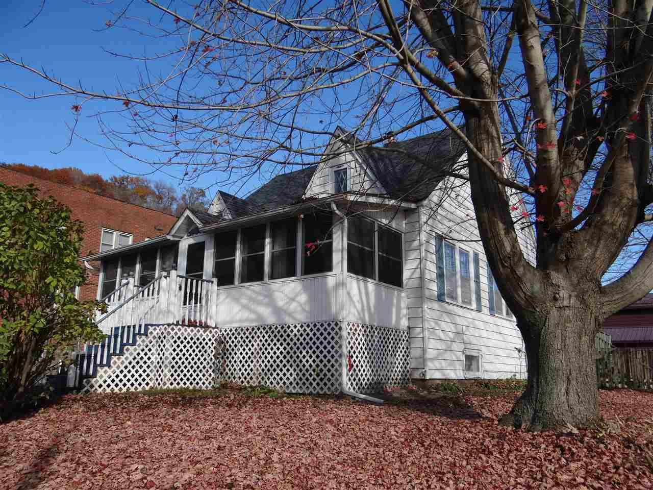 87 2ND ST, Marquette, IA 52158